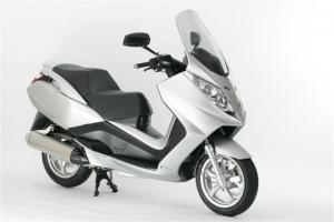 Peugeot Satelis 125cc or Similar