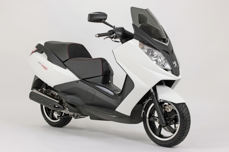 Peugeot Satelis 400cc or Similar