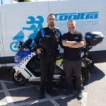 La policía local de Cubelles y Pineda de Mar apuesta por la moto eléctrica de Cooltra