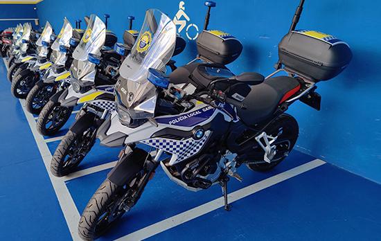 Entrega de motos a la Policía Local de Gandía